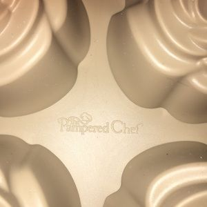 Pampered Chef Kitchen - Pampered Chef Flowered Silicon Mold